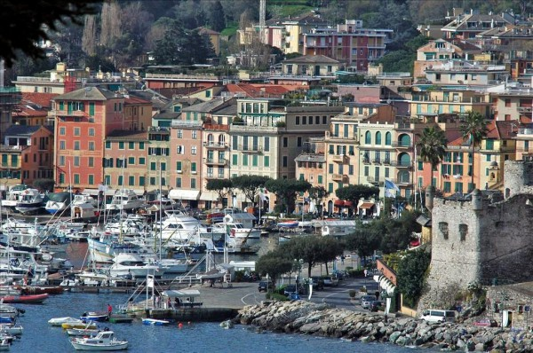 Bilocale Santa Margherita Ligure Piazza Fratelli Bandiera 12