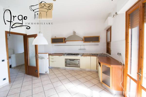 Appartamento in Vendita a San Giuliano Terme Periferia: 5 locali, 120 mq