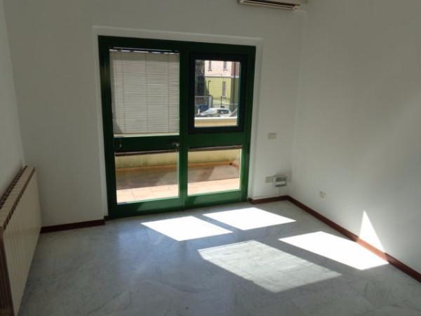 Ufficio / Studio in affitto a Pesaro, 3 locali, prezzo € 500 | Cambio Casa.it