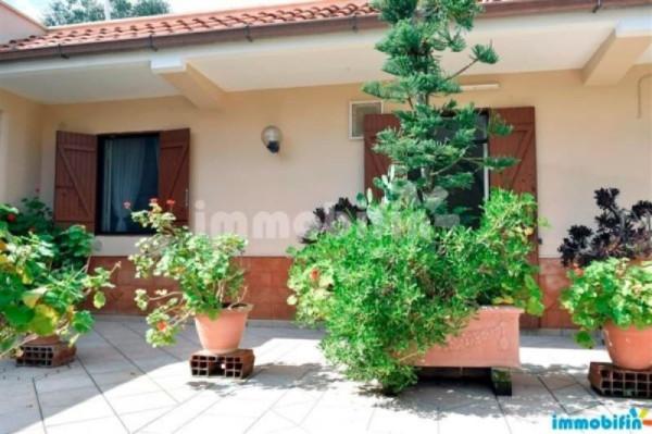 Villa in vendita a Oria, 6 locali, prezzo € 110.000 | Cambio Casa.it