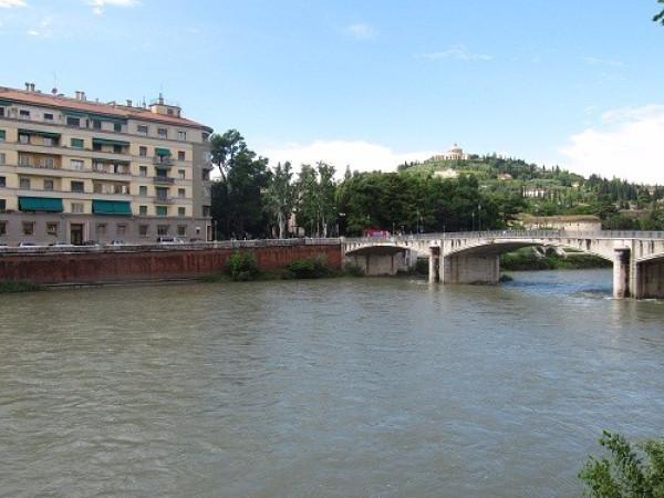 Bilocale Verona Via Prato Santo 3