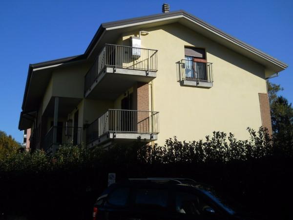 Appartamento in affitto a Saronno, 2 locali, prezzo € 550 | Cambio Casa.it