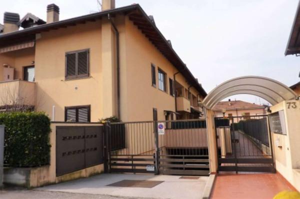 Appartamento in vendita a Cardano al Campo, 2 locali, prezzo € 97.000 | Cambio Casa.it