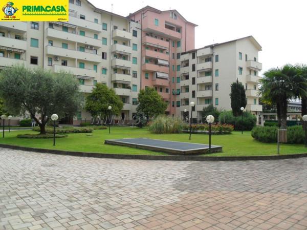 Bilocale Monza Via Giorgio De Chirico, 4 1