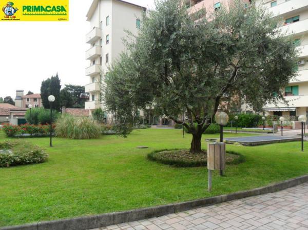 Bilocale Monza Via Giorgio De Chirico, 4 9