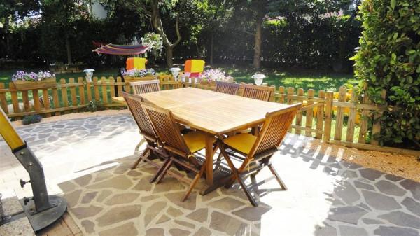 Villa a Schiera in vendita a Roncello, 5 locali, prezzo € 240.000 | Cambio Casa.it