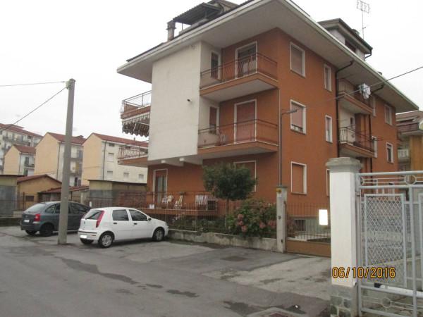 Appartamento in vendita a Borgo San Dalmazzo, 3 locali, prezzo € 115.000 | Cambio Casa.it