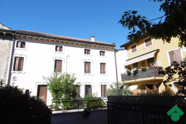 Bilocale Pescantina Via Are, 141 6