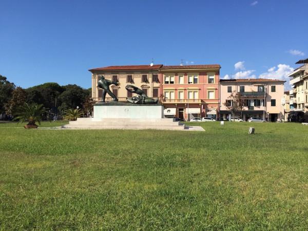 Negozio / Locale in vendita a Viareggio, 6 locali, Trattative riservate | Cambio Casa.it