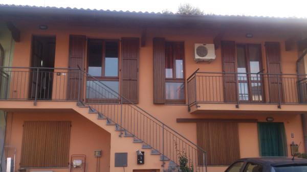 Appartamento in vendita a Brembate, 4 locali, prezzo € 100.000 | Cambio Casa.it