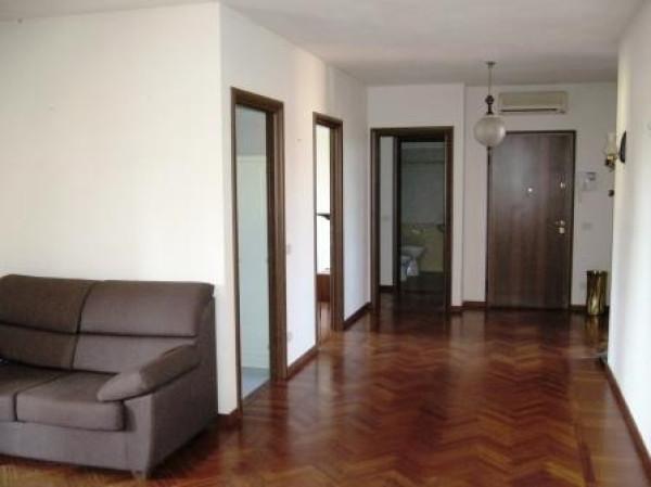 Appartamento in affitto a Albinea, 4 locali, prezzo € 620 | Cambio Casa.it