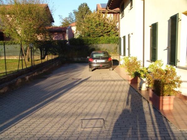 Bilocale Monvalle Via Piave 12