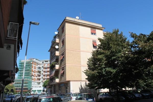 Bilocale Pomezia Piazza Federico Ii 1