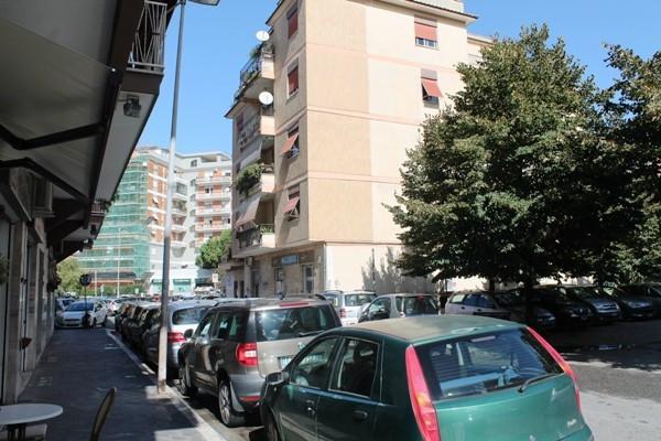 Bilocale Pomezia Piazza Federico Ii 10