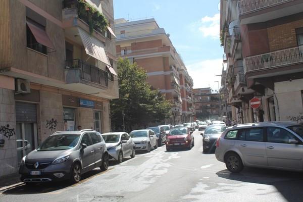 Bilocale Pomezia Piazza Federico Ii 8
