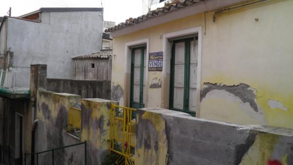 Soluzione Indipendente in vendita a Paternò, 6 locali, prezzo € 27.000 | Cambio Casa.it