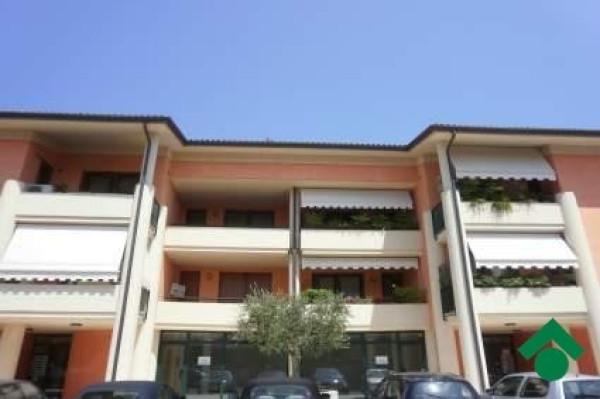 Bilocale Salò Piazza Sergio Bresciani 12