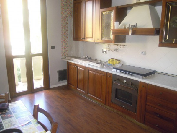 Bilocale Torino Via Cenischia 10
