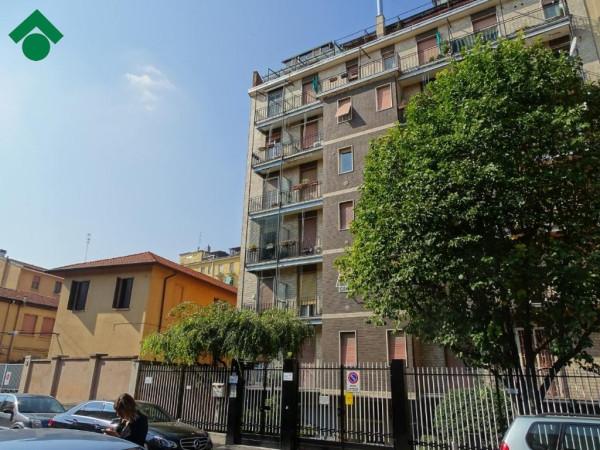 Bilocale Milano Via Privata Minturno 1