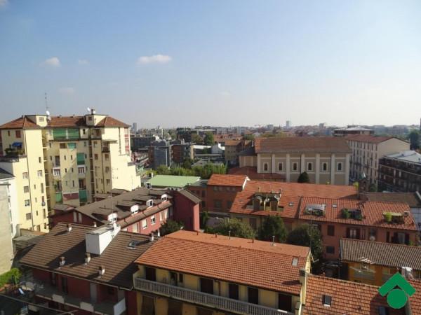 Bilocale Milano Via Privata Minturno 2