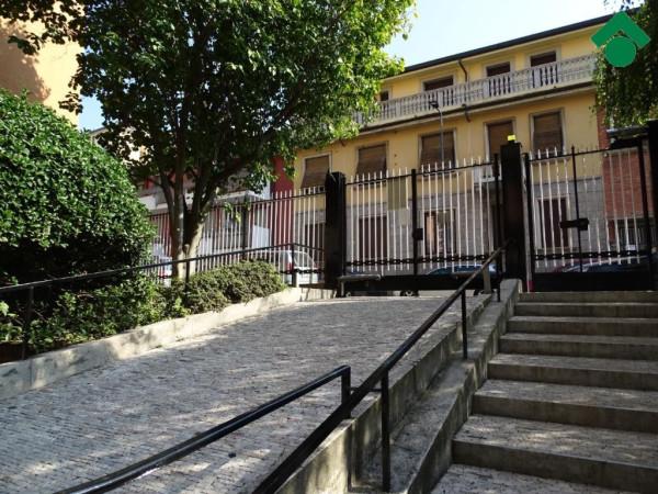 Bilocale Milano Via Privata Minturno 4