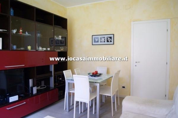 Bilocale Milano Via Codogno 1