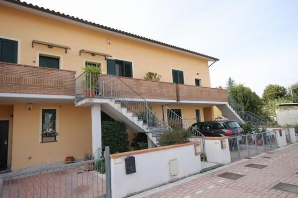 Appartamento in Vendita a Lucca Periferia Est: 3 locali, 80 mq