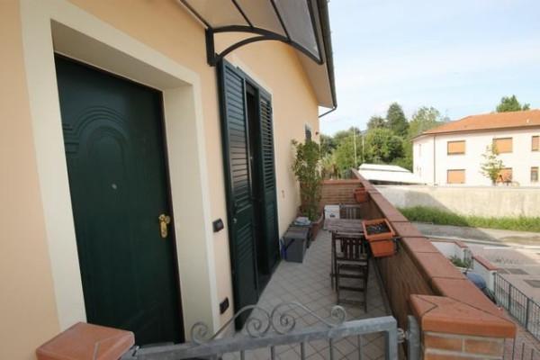Bilocale Lucca Via Picciorana 2