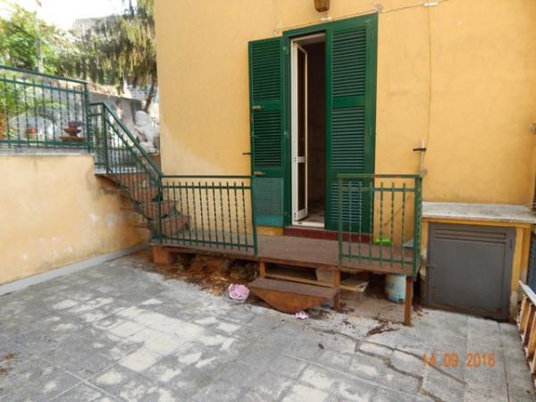 Bilocale Lanuvio Piazza Della Maddalena 12