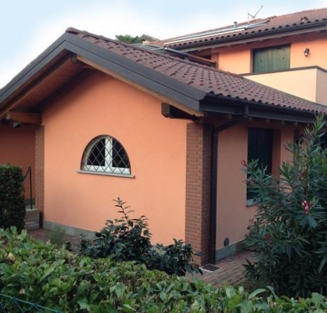 Appartamento in vendita a Azzate, 2 locali, prezzo € 120.000 | Cambio Casa.it