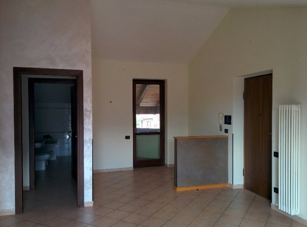 Appartamento in affitto a Cavour, 2 locali, prezzo € 380 | Cambio Casa.it