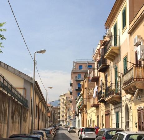 Appartamento in Affitto a Palermo Semicentro: 2 locali, 75 mq
