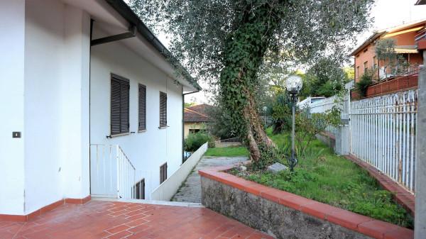 Soluzione Indipendente in vendita a Pescia, 4 locali, prezzo € 180.000 | Cambio Casa.it