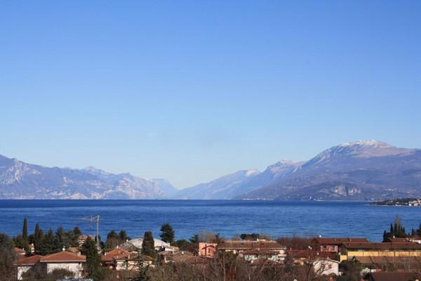 Attico / Mansarda in vendita a Desenzano del Garda, 5 locali, Trattative riservate | Cambio Casa.it