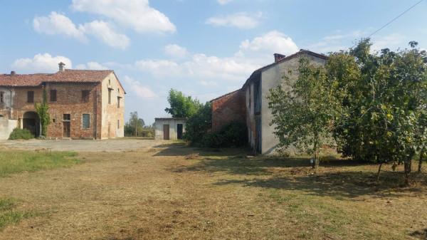 Rustico / Casale in Vendita a Vescovato