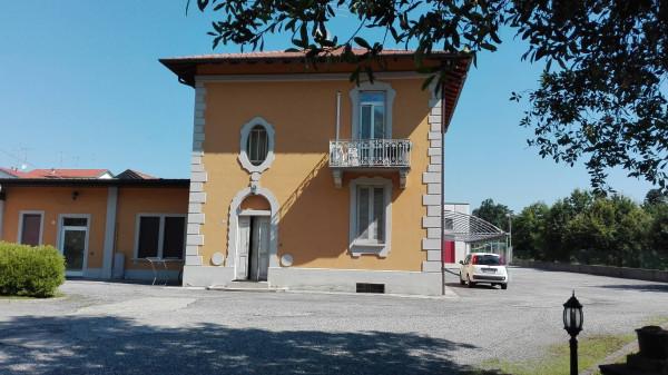 Albergo in vendita a Golasecca, 6 locali, Trattative riservate | Cambio Casa.it