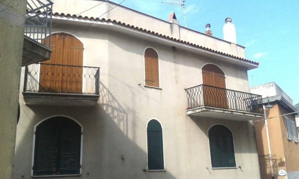 Appartamento in vendita a Dorgali, 3 locali, prezzo € 65.000 | Cambio Casa.it