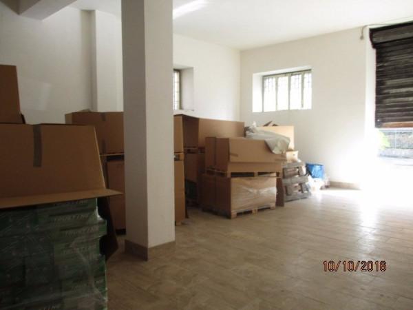 Negozio / Locale in affitto a Montoro, 1 locali, prezzo € 750 | Cambio Casa.it