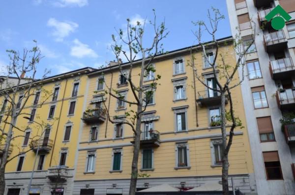 Bilocale Milano Via Ruggero Di Lauria 1