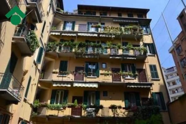 Bilocale Milano Via Ruggero Di Lauria 3