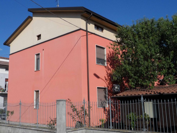 Appartamento in vendita a Ghedi, 3 locali, prezzo € 90.000 | Cambio Casa.it