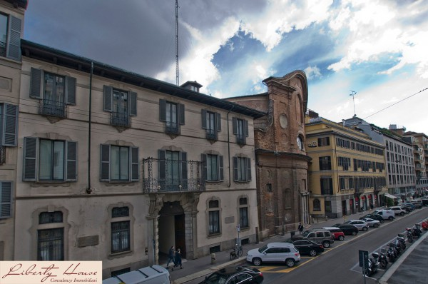Bilocale Milano Via Durini 13