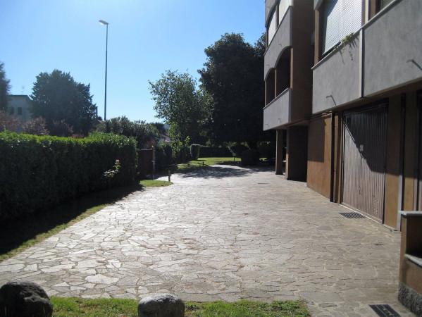 Bilocale Malgrate Via Gaggio 5