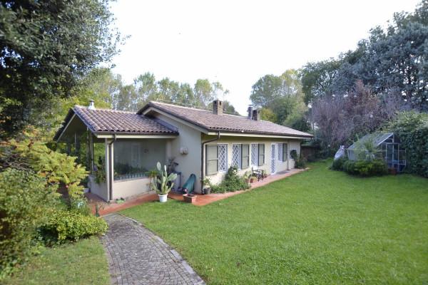 Villa in Vendita a Riccione: 5 locali, 240 mq