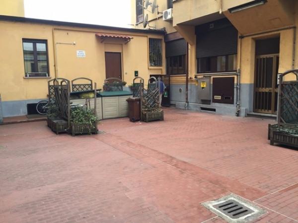Bilocale Milano Via Monte Piana 2