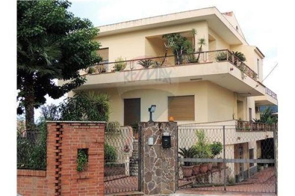 Villa in vendita a Torregrotta, 6 locali, prezzo € 365.000 | Cambio Casa.it