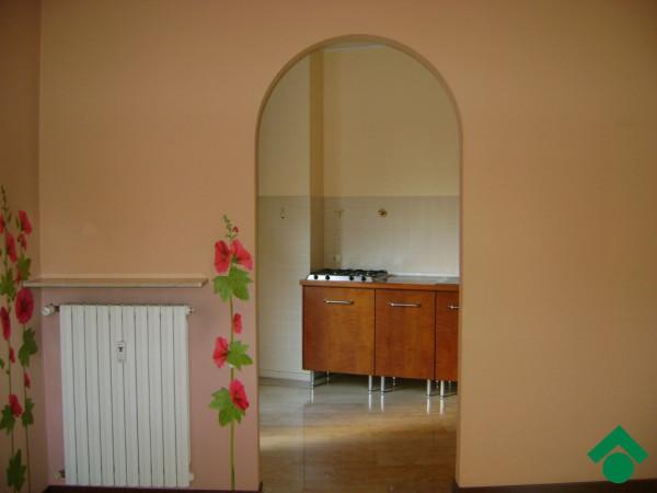 Bilocale Milano Via Montecatini 8
