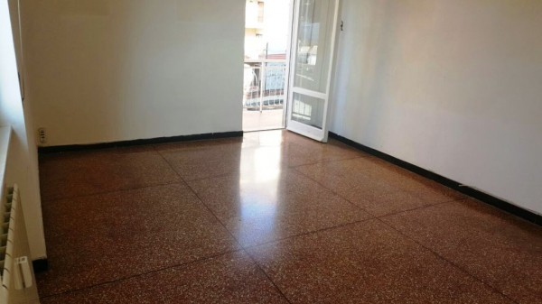 Bilocale Genova Via Lemerle 4