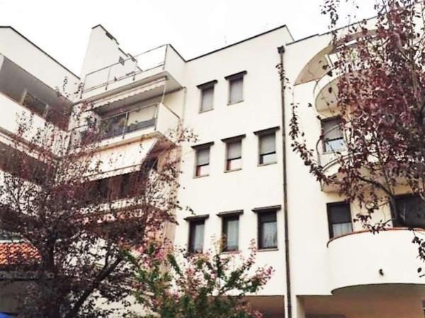 Appartamento in vendita a Cardano al Campo, 2 locali, prezzo € 85.000 | Cambio Casa.it