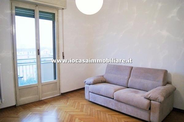 Bilocale Milano Via Val Passiria 4